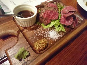 キッチン アンド バー・プラネットは肉料理が自慢!